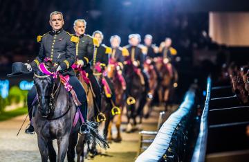 Cadre Noir au Jumping de Bordeaux 2015